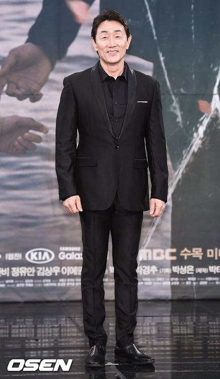 【公式】俳優ホ・ジュノ、一般人と再婚へ 「つらいとき、寄り添ってくれた人」