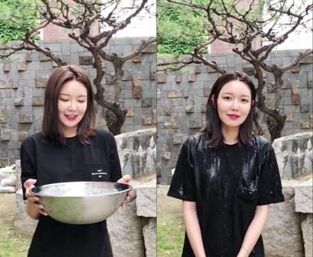 韓国ガールズグループ「少女時代」のスヨンが、歌手ショーンからの指名で「2018アイス・バケツ・チャレンジ」に参加した。(提供:OSEN)