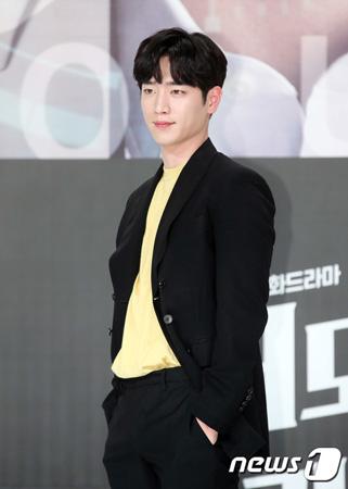 韓国俳優ソ・ガンジュン(24)がプレッシャーの中、演じる際は本分に忠実であったと話した。