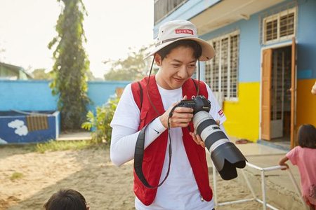 イ・ジョンシン、「CNBLUE」ではない写真家としての活動 「楽しみな反面、緊張」(提供:OSEN)