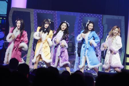 「Red Velvet」、初の日本全国ツアーを開催! 日本1stミニアルバム収録のオリジナル曲も披露(オフィシャル)