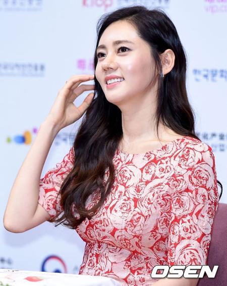 """【公式】女優チュ・ジャヒョン、""""意識不明説""""を否定し立場明かす 「好転し、回復中」"""