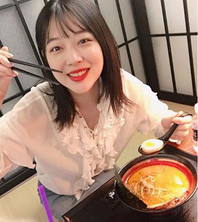 韓国女優ソルリが、ラーメンにハマっている近況を公開した。(提供:news1)