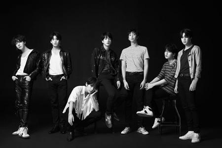 韓国アイドルグループ「防弾少年団」が3週連続で米ビルボード「Billboard 200」と「Billboard Hot 100」チャートに名を挙げた。(提供:OSEN)