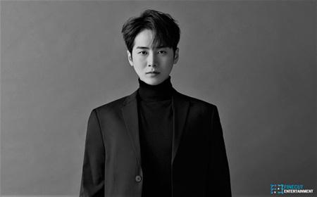 韓国俳優チュ・ジヌがFINECUTの俳優マネジメント部門であるFINECUTエンターテインメントに合流した。(提供:OSEN)