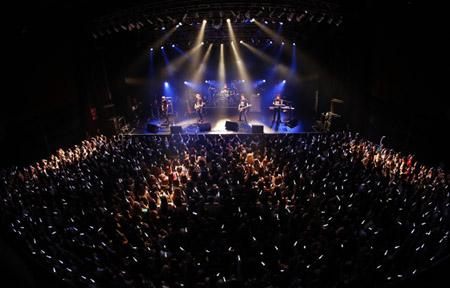 「DAY6」、ベストアルバム「THE BEST DAY」を携え、初の日本単独ライブを開催! (オフィシャル)