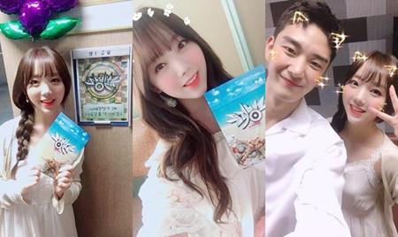韓国ガールズグループ「LOVELYZ」メンバーのKeiが、音楽番組「MUSIC BANK」でレギュラーMCとして初めての放送を迎えた感想を公開した。(提供:OSEN)