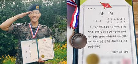 【公式】「2PM」Jun.K、軍修了式で師団長表彰…記念写真も公開(提供:OSEN)