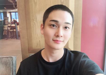 韓国俳優チョ・ユヌが19日に入隊を控えている中、気持ちを伝えた。(提供:OSEN)