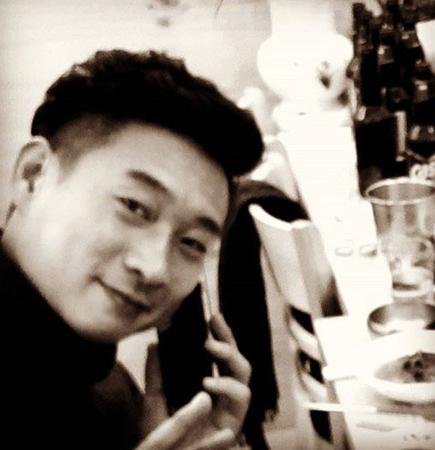 韓国のお笑い芸人キム・テホの悲報が伝えられた中、先輩お笑い芸人のイ・ヨンシクが切ない気持ちを綴って哀悼した。(提供:news1)