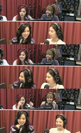 """韓国ガールズグループ「BLACKPINK」が、ラジオ番組で楽しい""""暴露戦""""を繰り広げた。(提供:OSEN)"""