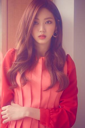 韓国ガールズグループ「CLC」メンバーのウンビンが、MBCの新ドラマ「バッドパパ」に出演することになった。(提供:OSEN)
