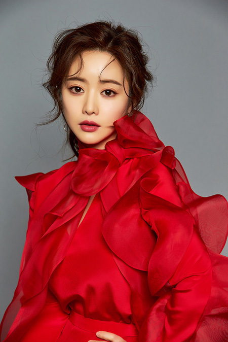 女優ホン・スア、新KBSドラマ「最後まで愛」女性主人公で韓国復帰へ(提供:news1)