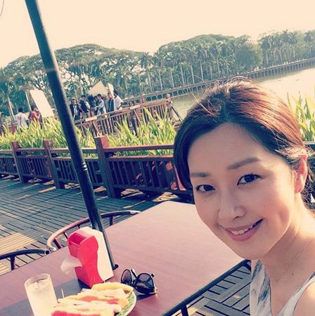 韓国でユミンの名で活動した女優の笛木優子が、SNSに韓国語で結婚したことを報告した。(提供:OSEN)