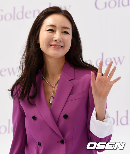 韓国女優チェ・ジウの夫の身元情報が公開され議論となっている中、これを報道した「Dispatch」に対して非難の世論が続いている。(提供:OSEN)