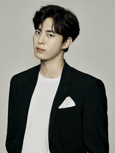 ホンビン(VIXX)、新ドラマ韓国版「空から降る一億の星」にキャスティング(提供:OSEN)