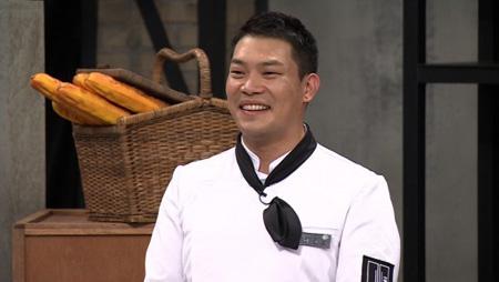 麻薬類を所持し、吸引した容疑で裁判にかけられた韓国の有名シェフ、イ・チャノ氏(34)に裁判所が懲役刑の執行猶予を言い渡した。(提供:news1)