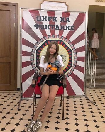女優ハ・ヨンス、ロシア旅行中の写真が物議に? 旭日旗論争に巻き込まれる…(ハ・ヨンスのInstagram)