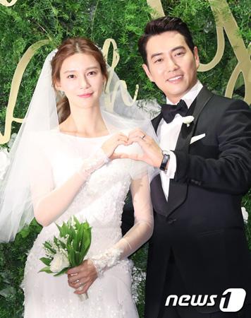 韓国俳優チュ・サンウク&女優チャ・イェリョン夫婦に第1子となる女児が誕生した。(提供:news1)