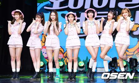 韓国ガールズグループ「OH MY GIRL」が交通事故に遭い、「KSTAR 2018 KOREA MUSIC FESTIVAL」に出演しないことになった。(提供:OSEN)