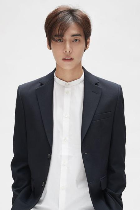 韓国歌手ONE(チョン・ジェウォン)がtvN新土日ドラマ「ナインルーム」(原題)にキャスティングされた。(提供:OSEN)