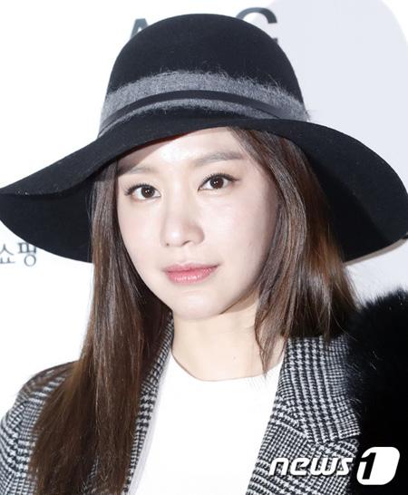 死亡説が浮上した女優キム・アジュン、事務所側も困惑「現在スケジュールを消化中」(提供:news1)
