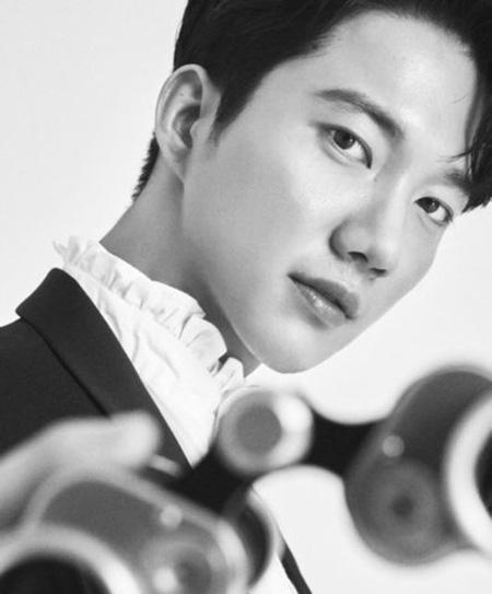 韓国アイドルグループ「超新星」パク・ゴニル(30)がファイブラザーズコリアと専属契約を結んだことがわかった。(提供:OSEN)