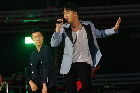 「BIGBANG」V.I、「a-nation 2018」出演! 長居スタジアム5万人が熱狂(オフィシャル)