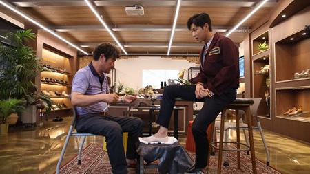 ソウル市は手製靴の魅力と聖水洞(ソンスドン)を同時に知らせるための「聖水洞の手製靴履こうキャンペーン」に人気グループ「東方神起」ユンホが1号スターとして参加したと28日、明らかにした。(提供:news1)