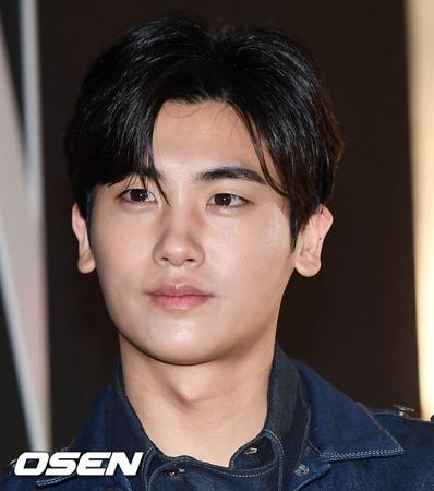韓国俳優パク・ヒョンシク(ZE:A)が、「エリザベート」で2年ぶりにミュージカルに出演することになった。(提供:OSEN)