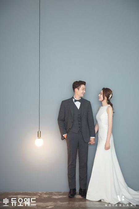 一般女性と結婚発表した俳優キム・ジヌ、ウェディング画報を公開(提供:OSEN)
