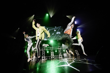 「U-KISS」、記念すべきライブで新曲MV初公開! (画像:川嶋謙吾(田中聖太郎写真事務所))