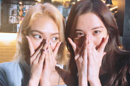 「少女時代」ソヒョン、現場に応援訪問のヒョヨンに感動 「見た瞬間、涙が」(提供:OSEN)