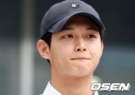 女性芸能人にわいせつ行為をおこない、凶器で脅迫した容疑で起訴された韓国俳優イ・ソウォンの裁判がおこなわれている。(提供:OSEN)