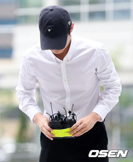 """""""強制わいせつ&脅迫""""の俳優イ・ソウォン、容疑認めるも""""心身微弱""""を主張…実刑免れるか"""