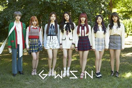 新人ガールズグループ「公園少女(GWSN)」、デビューアルバムが音盤チャート1位! (画像:OSEN)
