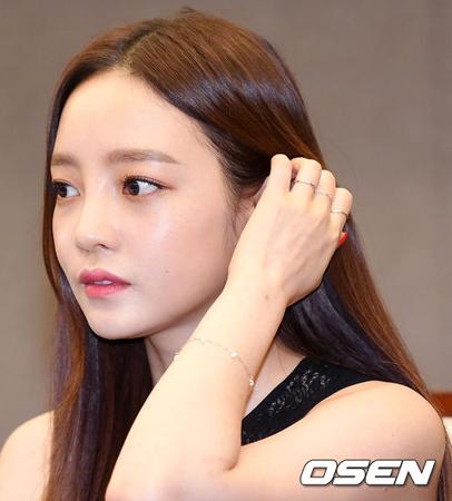 韓国ガールズグループ「KARA」のク・ハラ(27)が、交際相手の男性Aさんとの暴行沙汰について語った。(提供:OSEN)