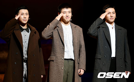 韓国俳優チ・チャンウクとカン・ハヌル、ボーイズグループ「INFINITE」メンバーのソンギュが出演するミュージカル「新興武官学校」が幕を開ける。(提供:OSEN)