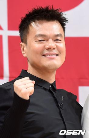 韓国歌手でJYPエンターテインメント創業者のパク・チニョン(46)が、来年パパになる。(提供:OSEN)