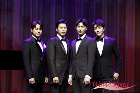 左からイ・ジフン、ソン・ジュンホ、チョン・ドンソク、ミン・ウヒョク