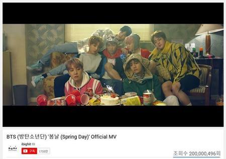 韓国ボーイズグループ「防弾少年団」の「Spring Day」MVが再生回数2億回を突破した。(提供:OSEN)
