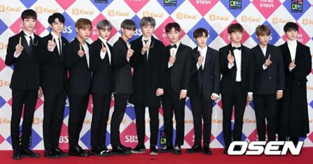 韓国ボーイズグループ「Wanna One」側が、マネジャーによるファン暴行騒動について公式謝罪をした。(提供:OSEN)