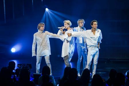 「WINNER」、3日発売のニューアルバムを引っ提げたツアー福岡公演にて超満員のファンと共に祝福! (オフィシャル)