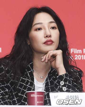 """""""中国のスジ""""バイ・バイホー、釜山映画祭でファン・ビンビン関連の質問受け困惑?"""