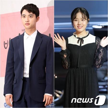 韓国ボーイズグループ「EXO」メンバーで俳優としても活躍しているD.O. と女優キム・ヒャンギが、人気スター賞を受賞した。(提供:news1)