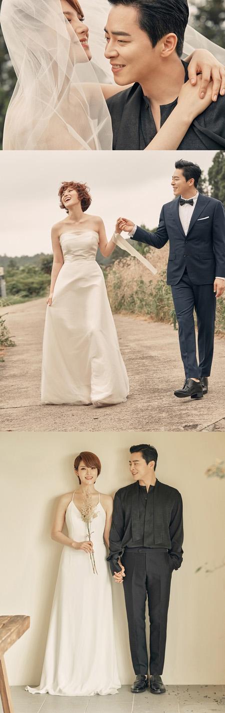 韓国俳優チョ・ジョンソク(38)と歌手GUMMY(37)が夫婦の縁を結んだ中、ウエディング画報が初公開された。(提供:news1)