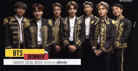 【公式】「防弾少年団」、米3大音楽授賞式「AMAs」で「Favorite Social Artist」受賞=K-POPグループ初(提供:OSEN)