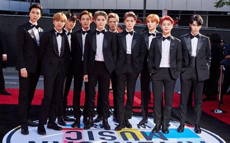 "「NCT 127」、米3大音楽授賞式「AMAs」のレッドカーペットに登場""世界的なスーパースター""(提供:OSEN)"