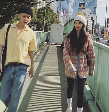 韓国歌手ヒョナ&イドン(PENTAGON)が突然の事務所退所騒動の中、公開デートを楽しんでいた。(写真提供:OSEN)