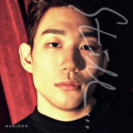 歌手NAKJOONの新曲「Still」カムバックステージ、「f(x)」ルナ&「15&」パク・ジミンが援護射撃! (提供:news1)